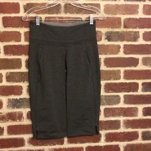 Lululemon gray crop leggings size 6